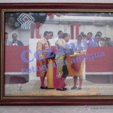 Tauromaquia: ALTERNATIVA DE CRISTINA SÁNCHEZ; 1996. CURRO ROMERO Y MANZANARES 46X36 CM.. Lote 54854262
