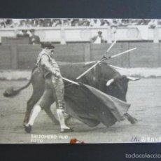 Tauromachie: POSTAL FOTOGRÁFICA TOROS. M. BIENVENIDA. BALDOMERO FOTO. . Lote 55098350