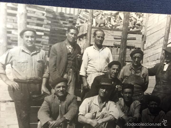 Tauromaquia: Foto varios peones y oficiales de sierra empresa de saconia fot Montoya 7,5x10,5cms - Foto 2 - 58651744