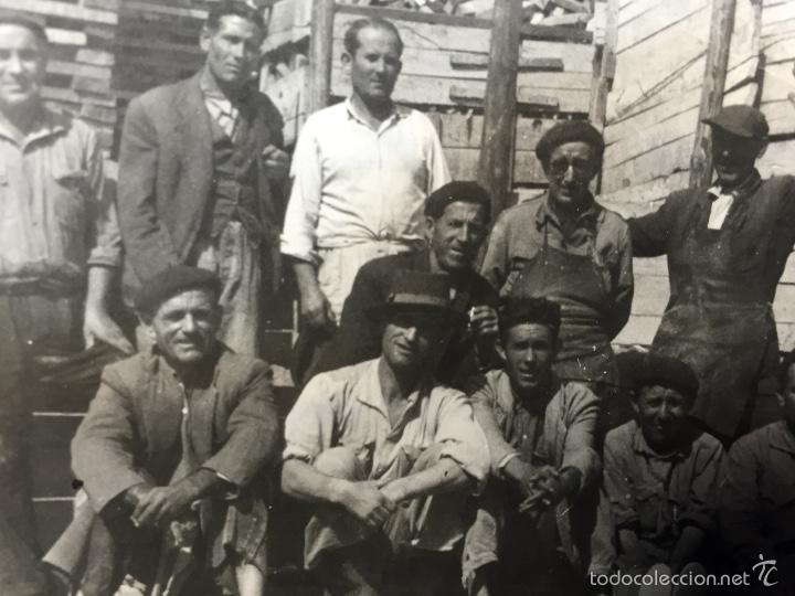 Tauromaquia: Foto varios peones y oficiales de sierra empresa de saconia fot Montoya 7,5x10,5cms - Foto 4 - 58651744