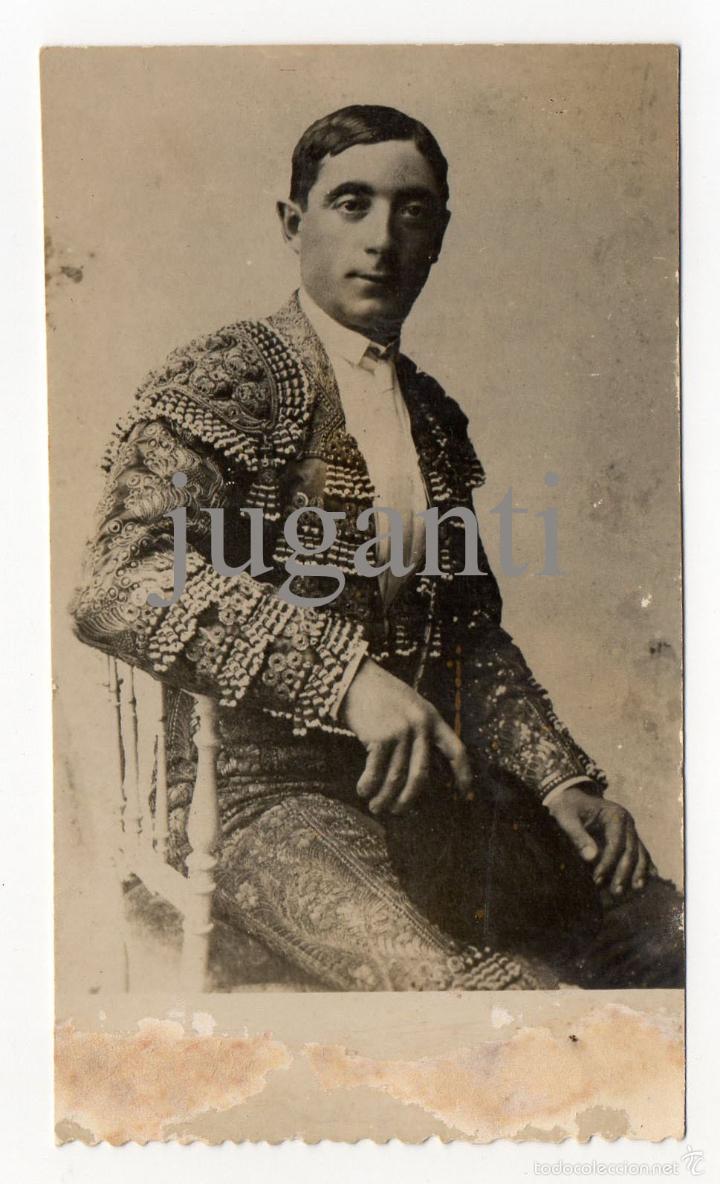 ANTIGUA FOTO DEL TORERO COCHERITO DE BILBAO. SELLADA AL DORSO POR EL CLUB COCHERITO (Coleccionismo - Tauromaquia)