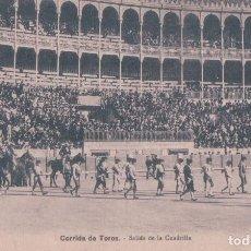 Tauromaquia: POSTAL ANTIGUA DE UNA CORRIDA DE TOROS. SALIDA DE LA CUADRILLA. Lote 62621004