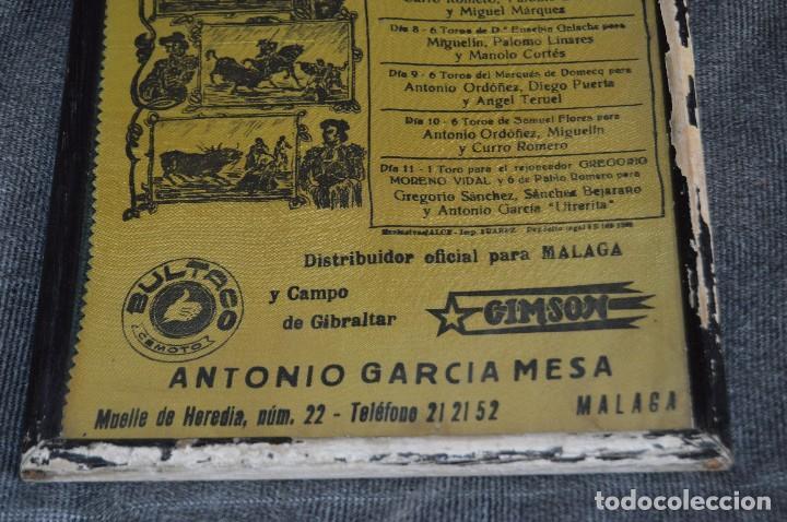Tauromaquia: VINTAGE Y ANTIGUO - ANTIGUO CARTEL TAURINO ENMARCADO - FERIA DE MÁLAGA DE 1968 - EN SEDA - HAZ OFERT - Foto 4 - 112335655