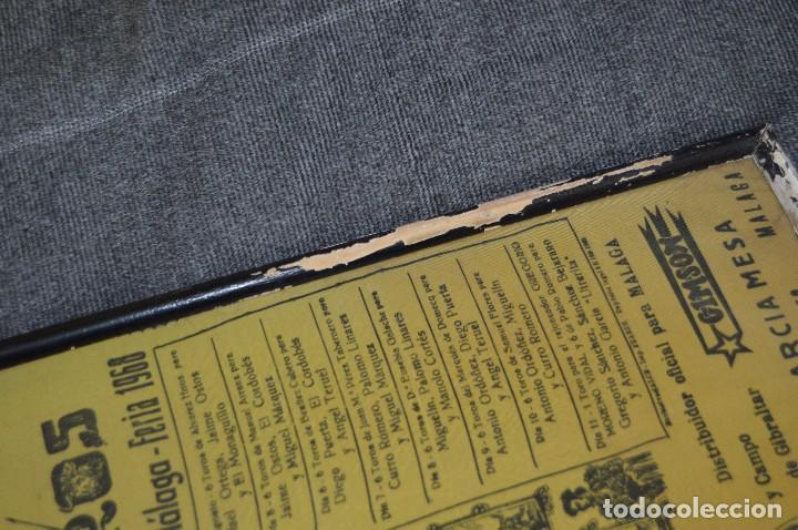 Tauromaquia: VINTAGE Y ANTIGUO - ANTIGUO CARTEL TAURINO ENMARCADO - FERIA DE MÁLAGA DE 1968 - EN SEDA - HAZ OFERT - Foto 8 - 112335655