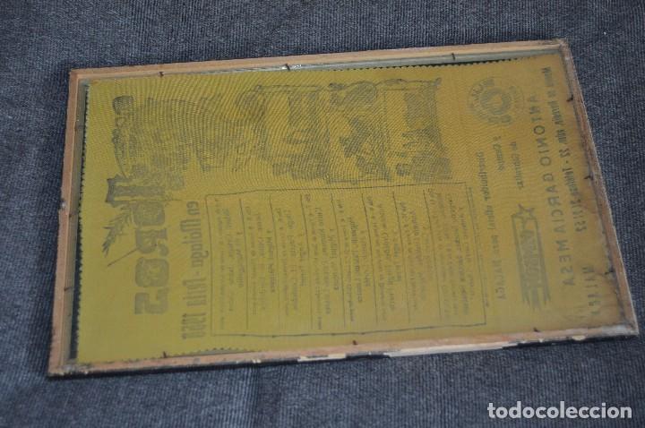 Tauromaquia: VINTAGE Y ANTIGUO - ANTIGUO CARTEL TAURINO ENMARCADO - FERIA DE MÁLAGA DE 1968 - EN SEDA - HAZ OFERT - Foto 12 - 112335655