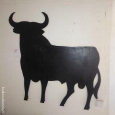 Tauromaquia: GRAN CARTEL TORO DE OSBORNE,FUNCIONA COMO PIZARRA, 95X95 CM. VER FOTOS.. Lote 133104614