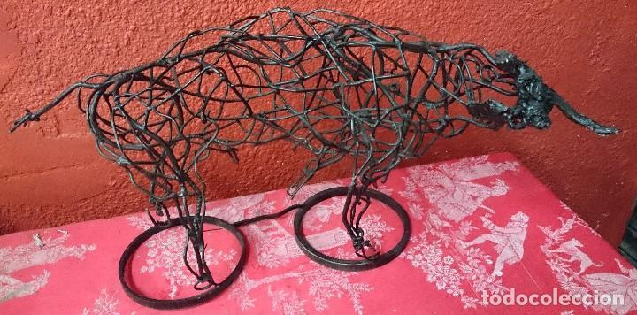 Tauromaquia: Espectacular escultura de hierro, toro bravo. Escultor Boni Guarjol, escultor Aragonés. 60x35x30cm - Foto 2 - 125096691