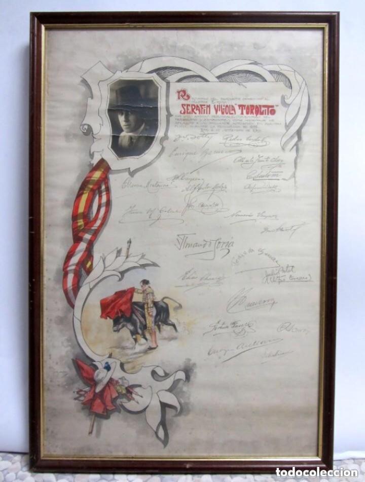 SERAFÍN VIGIOLA, TORQUITO CARTEL ENMARCADO 71,5X47,5 CMS. LIMA, 1922 BANQUETE HOMENAJE AL TORERO (Coleccionismo - Tauromaquia)