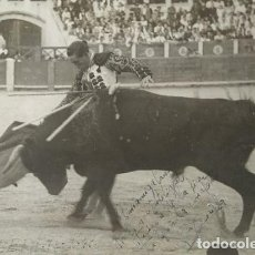Tauromaquia: 1941 ALBACETE. FOTOGRAFÍA TORERO DEDICADA Y FIRMADA. FOTÓGRAFO BALDOMERO. 18X24 CM. Lote 140744682