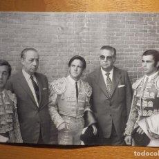 Tauromaquia: FOTOGRAFIA - CORRIDA BENEFICENCIA AÑO 1972 - GABRIEL DE LA CASA - RAUL ARANDA Y PAQUIRRI - . Lote 156781794