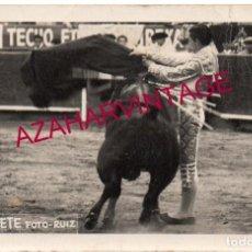 Tauromaquia: MAGNIFICA Y ORIGINAL FOTOGRAFIA DE MANOLETE - FOTO RUIZ - MEXICO ,1947, 14X9 CMS. Lote 161776050