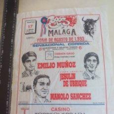 Tauromaquia: PAÑUELO DE TOROS, CARTEL TAURINO 1993 MÁLAGA FERIA AGOSTO JESULIN, EMILIO MUÑOZ MANOLO SANCHEZ. Lote 165293958