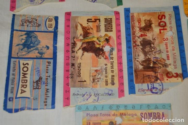 Tauromaquia: Lote de 14 entradas - Plaza de toros de Málaga - Antiguas año 1959 - En reverso publicidad Victoria - Foto 4 - 171452727