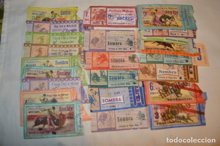 LOTE DE 23 ENTRADAS - PLAZA TOROS MÁLAGA - ANTIGUAS AÑO 1960/61/64/66 - REVERSO PUBLICIDAD VICTORIA (Coleccionismo - Tauromaquia)