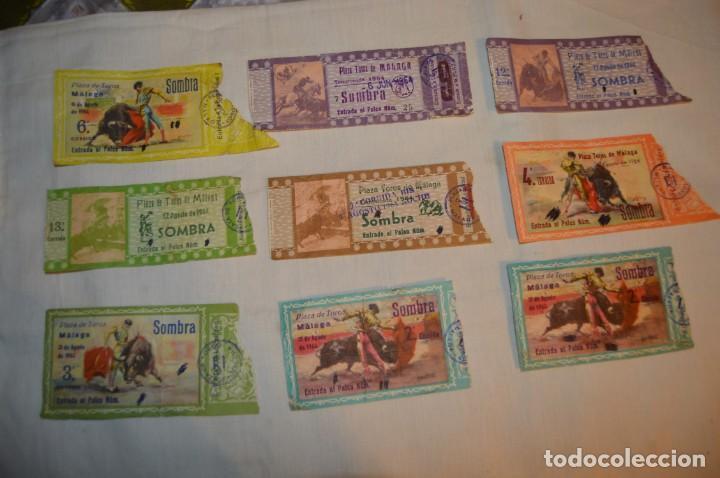 Tauromaquia: Lote de 23 entradas - Plaza toros Málaga - Antiguas año 1960/61/64/66 - Reverso publicidad Victoria - Foto 2 - 171454157