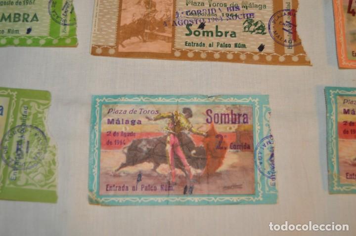 Tauromaquia: Lote de 23 entradas - Plaza toros Málaga - Antiguas año 1960/61/64/66 - Reverso publicidad Victoria - Foto 7 - 171454157
