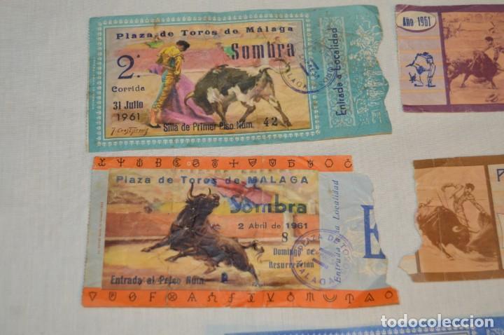 Tauromaquia: Lote de 23 entradas - Plaza toros Málaga - Antiguas año 1960/61/64/66 - Reverso publicidad Victoria - Foto 16 - 171454157