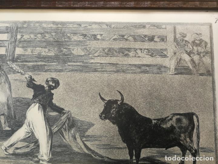 Tauromaquia: TAUROMAQUIA GOYA 3 LÁMINAS ANTIGUAS ENMARCADAS EN MADERA Nº 1-3-7 AÑOS 70 - Foto 5 - 189477865