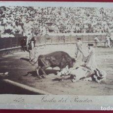 Tauromaquia: FOTOGRAFIA FOTO ALBUMINA TOROS CAIDA DEL PICADOR BEAUCHY SEVILLA SIGLO XIX CARTON ORIGINAL , F7. Lote 191176280