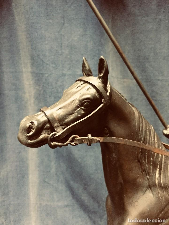Tauromaquia: bronce tauromaquia toros garrochista caballo sombrero cordobes firma moran 8/100 1983 43x38cms - Foto 3 - 203790133