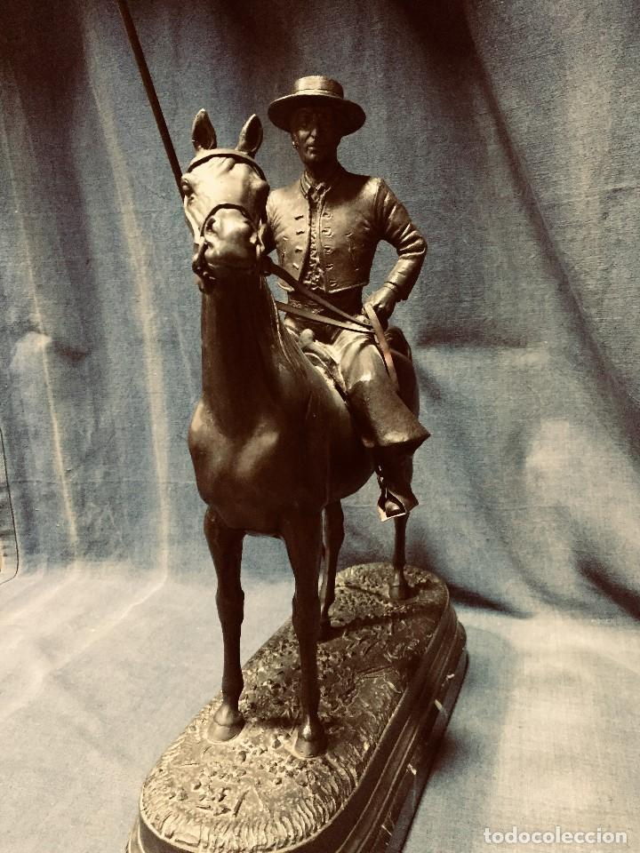 Tauromaquia: bronce tauromaquia toros garrochista caballo sombrero cordobes firma moran 8/100 1983 43x38cms - Foto 7 - 203790133