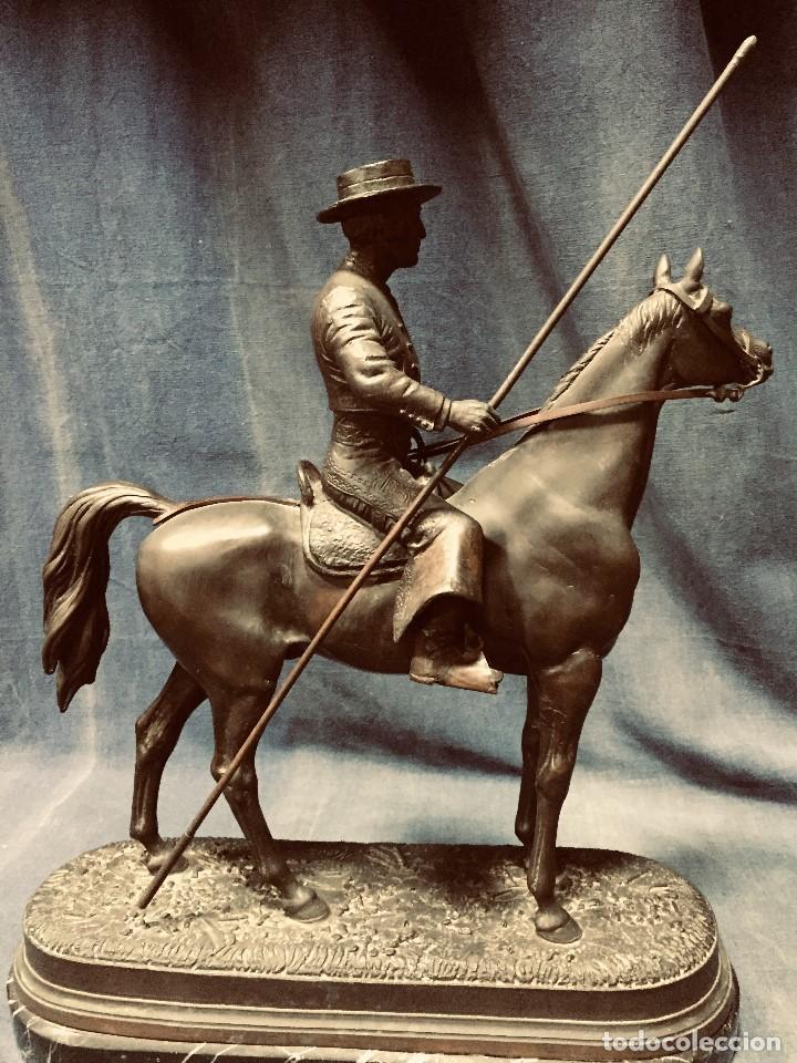 Tauromaquia: bronce tauromaquia toros garrochista caballo sombrero cordobes firma moran 8/100 1983 43x38cms - Foto 9 - 203790133