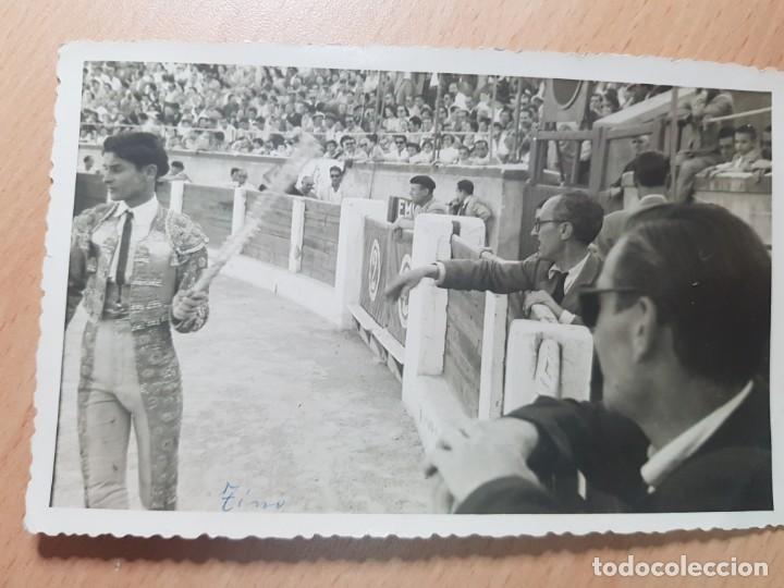 ANTIGUA FOTOGRAFIA TORERO PLAZA DE TOROS DE ELDA ALICANTE FOTOS BASILIO 1954 (Coleccionismo - Tauromaquia)