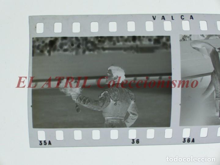 Tauromaquia: VALENCIA TOROS FALLAS AÑO 1965, 33 CLICHES NEGATIVOS DE 35 mm EN CELULOIDE, PUERTA, CAMINO, MACARENO - Foto 2 - 210670572