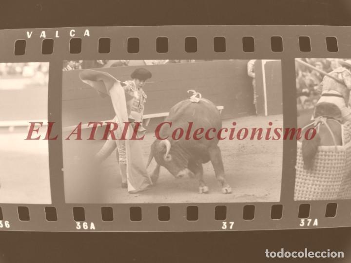 Tauromaquia: VALENCIA TOROS FALLAS AÑO 1965, 33 CLICHES NEGATIVOS DE 35 mm EN CELULOIDE, PUERTA, CAMINO, MACARENO - Foto 3 - 210670572