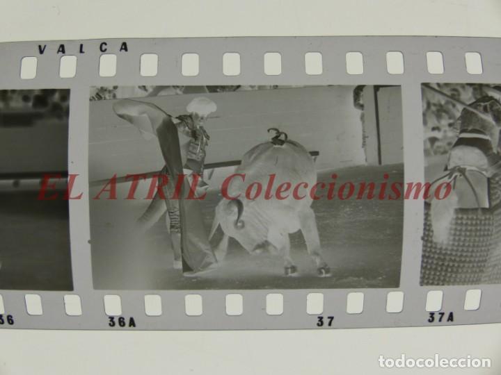 Tauromaquia: VALENCIA TOROS FALLAS AÑO 1965, 33 CLICHES NEGATIVOS DE 35 mm EN CELULOIDE, PUERTA, CAMINO, MACARENO - Foto 4 - 210670572