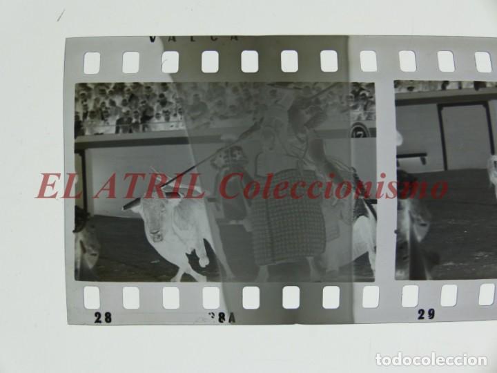 Tauromaquia: VALENCIA TOROS FALLAS AÑO 1965, 33 CLICHES NEGATIVOS DE 35 mm EN CELULOIDE, PUERTA, CAMINO, MACARENO - Foto 18 - 210670572
