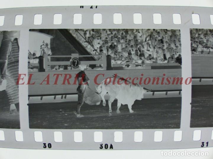 Tauromaquia: VALENCIA TOROS FALLAS AÑO 1965, 33 CLICHES NEGATIVOS DE 35 mm EN CELULOIDE, PUERTA, CAMINO, MACARENO - Foto 22 - 210670572