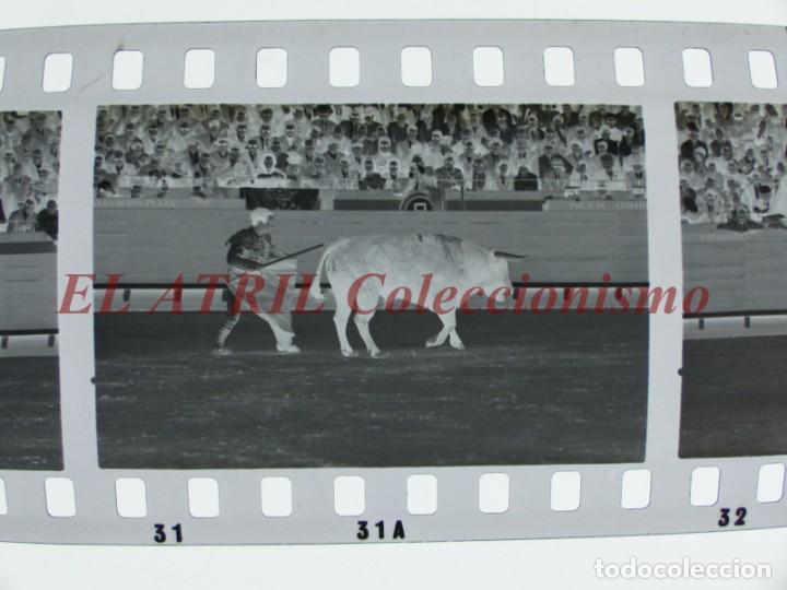 Tauromaquia: VALENCIA TOROS FALLAS AÑO 1965, 33 CLICHES NEGATIVOS DE 35 mm EN CELULOIDE, PUERTA, CAMINO, MACARENO - Foto 24 - 210670572