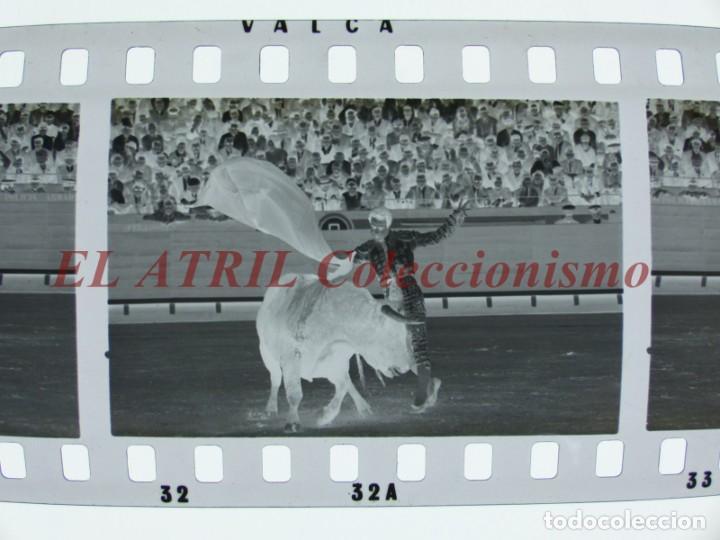 Tauromaquia: VALENCIA TOROS FALLAS AÑO 1965, 33 CLICHES NEGATIVOS DE 35 mm EN CELULOIDE, PUERTA, CAMINO, MACARENO - Foto 26 - 210670572