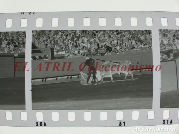 Tauromaquia: VALENCIA TOROS FALLAS AÑO 1965, 33 CLICHES NEGATIVOS DE 35 mm EN CELULOIDE, PUERTA, CAMINO, MACARENO - Foto 34 - 210670572