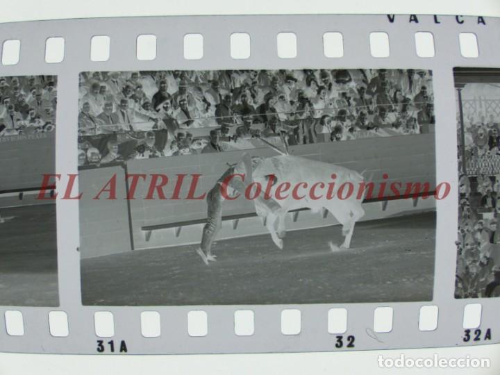 Tauromaquia: VALENCIA TOROS FALLAS AÑO 1965, 33 CLICHES NEGATIVOS DE 35 mm EN CELULOIDE, PUERTA, CAMINO, MACARENO - Foto 36 - 210670572