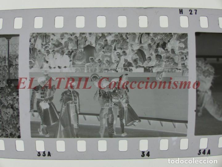 Tauromaquia: VALENCIA TOROS FALLAS AÑO 1965, 33 CLICHES NEGATIVOS DE 35 mm EN CELULOIDE, PUERTA, CAMINO, MACARENO - Foto 40 - 210670572