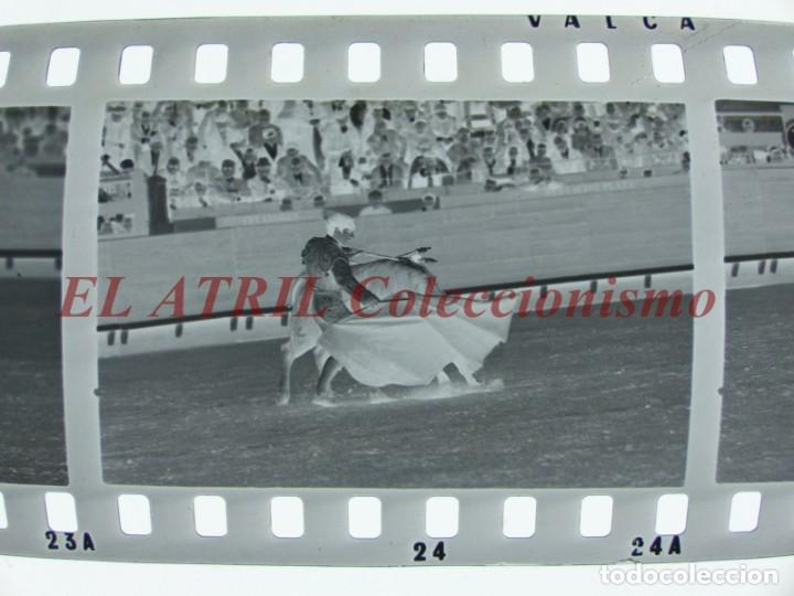 Tauromaquia: VALENCIA TOROS FALLAS AÑO 1965, 33 CLICHES NEGATIVOS DE 35 mm EN CELULOIDE, PUERTA, CAMINO, MACARENO - Foto 50 - 210670572