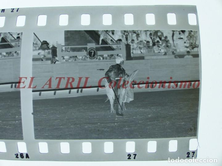 Tauromaquia: VALENCIA TOROS FALLAS AÑO 1965, 33 CLICHES NEGATIVOS DE 35 mm EN CELULOIDE, PUERTA, CAMINO, MACARENO - Foto 56 - 210670572