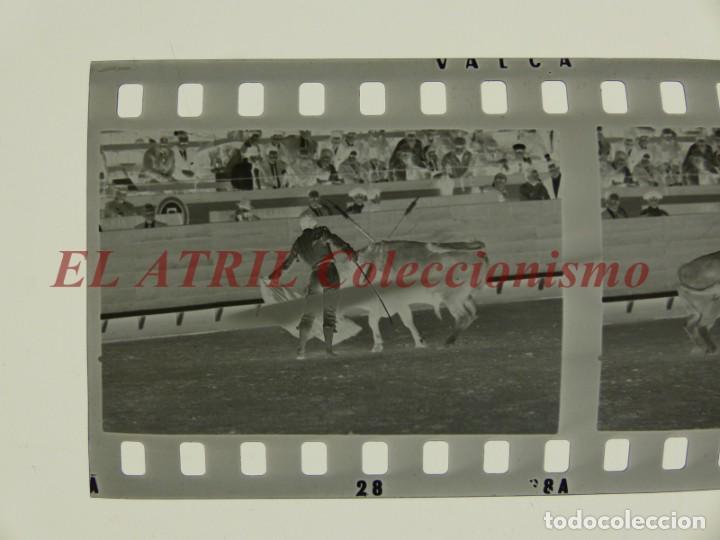 Tauromaquia: VALENCIA TOROS FALLAS AÑO 1965, 33 CLICHES NEGATIVOS DE 35 mm EN CELULOIDE, PUERTA, CAMINO, MACARENO - Foto 60 - 210670572
