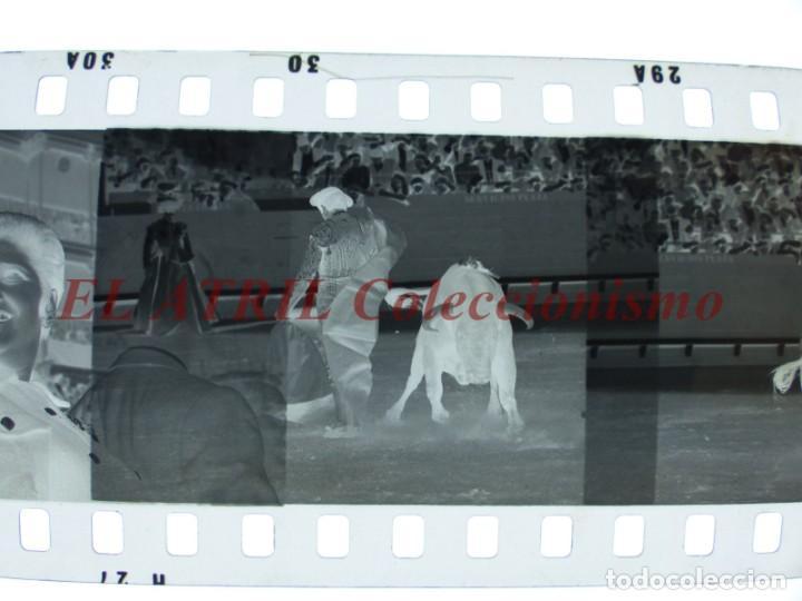 Tauromaquia: VALENCIA TOROS FALLAS AÑO 1965, 33 CLICHES NEGATIVOS DE 35 mm EN CELULOIDE, PUERTA, CAMINO, MACARENO - Foto 76 - 210670572