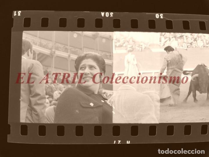 Tauromaquia: VALENCIA TOROS FALLAS AÑO 1965, 33 CLICHES NEGATIVOS DE 35 mm EN CELULOIDE, PUERTA, CAMINO, MACARENO - Foto 77 - 210670572