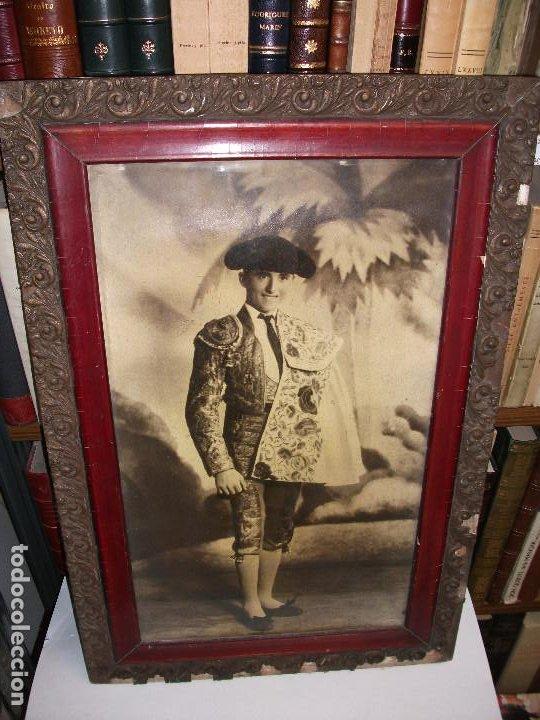 FOTOGRAFIA DEL TORERO ALFREDO CORROCHANO C. 1935 RETRATO TOROS ENMARCADA - MADRID GRANADA (Coleccionismo - Tauromaquia)
