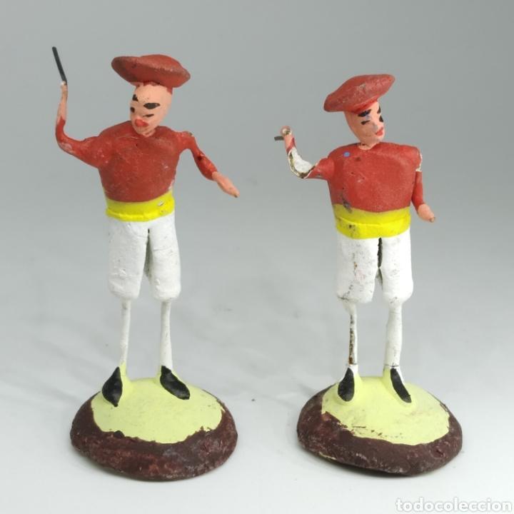 Tauromaquia: Preciosa colección taurina, figuras de barro y alambre, toreros, picadores, mulillas, años 50-60 - Foto 15 - 212177837