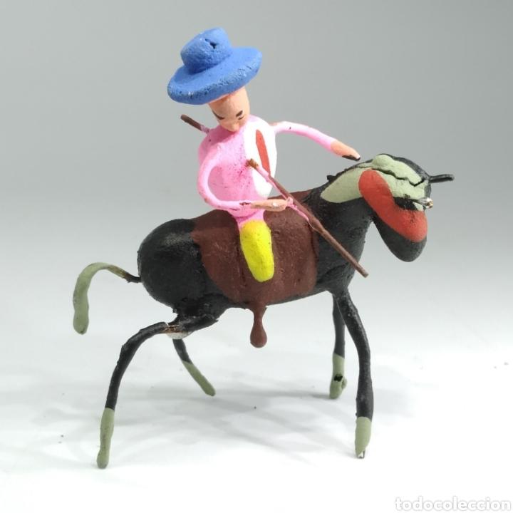 Tauromaquia: Preciosa colección taurina, figuras de barro y alambre, toreros, picadores, mulillas, años 50-60 - Foto 25 - 212177837