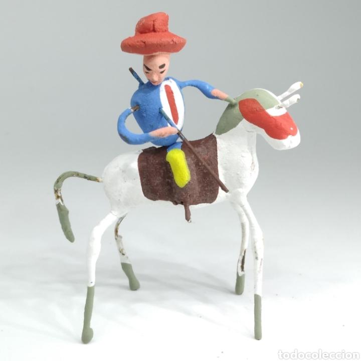 Tauromaquia: Preciosa colección taurina, figuras de barro y alambre, toreros, picadores, mulillas, años 50-60 - Foto 28 - 212177837