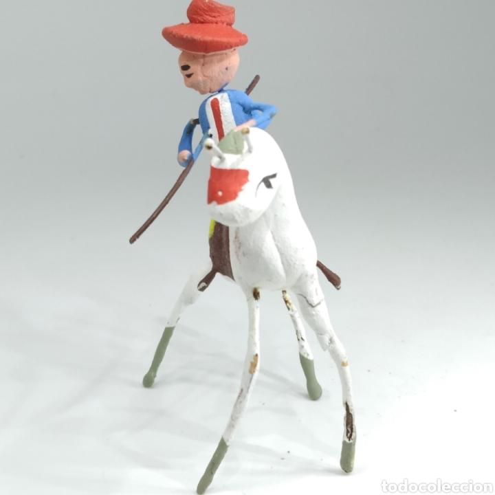 Tauromaquia: Preciosa colección taurina, figuras de barro y alambre, toreros, picadores, mulillas, años 50-60 - Foto 30 - 212177837