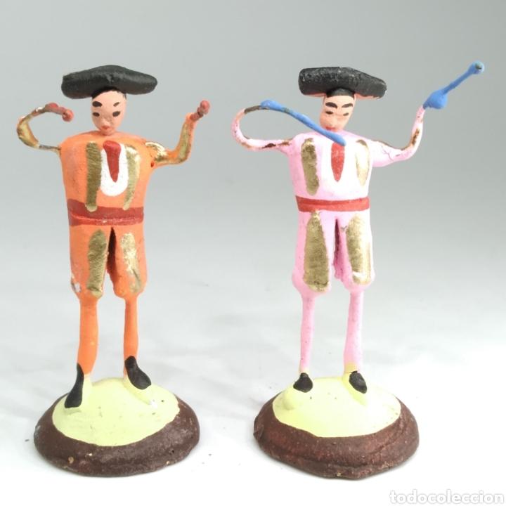 Tauromaquia: Preciosa colección taurina, figuras de barro y alambre, toreros, picadores, mulillas, años 50-60 - Foto 34 - 212177837