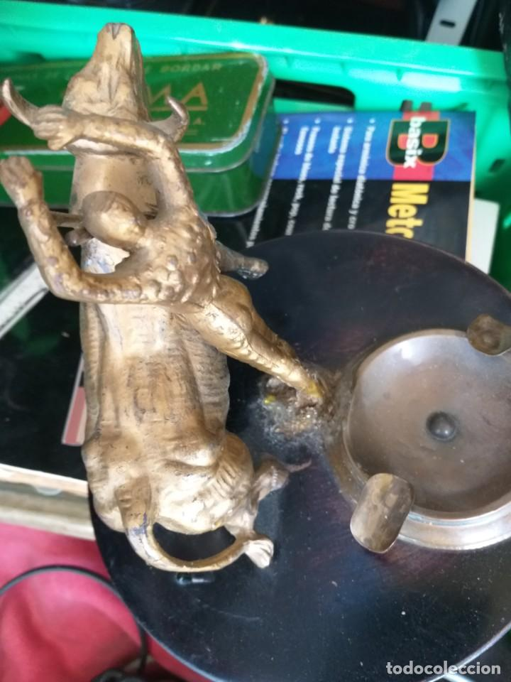 Tauromaquia: antiguo cenicero años 60 torero - Foto 3 - 214664417