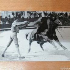 Tauromaquia: FOTO ORIGINAL ¿PEPE BIENVENIDA? EN ARLES. PHOTO GEORGE. TOROS. TAUROMAQUIA. Lote 217587937